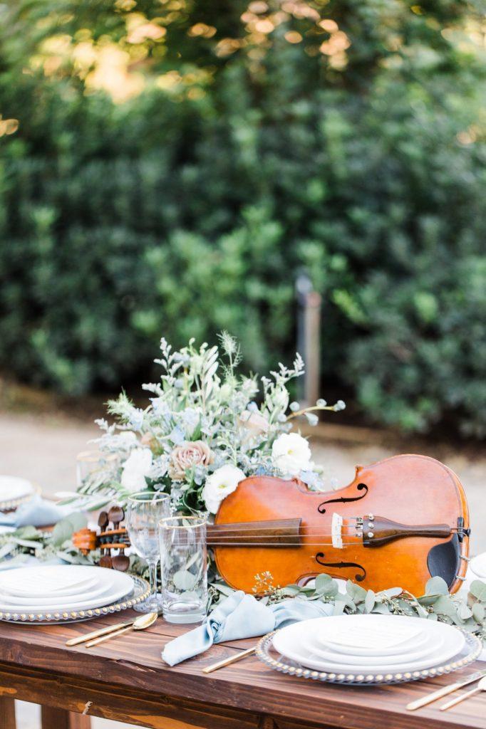 Mesa de casamento Violino