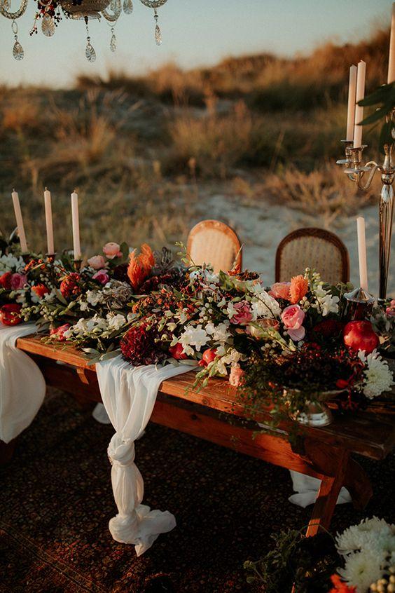 Mesa de casamento com flores de Outono