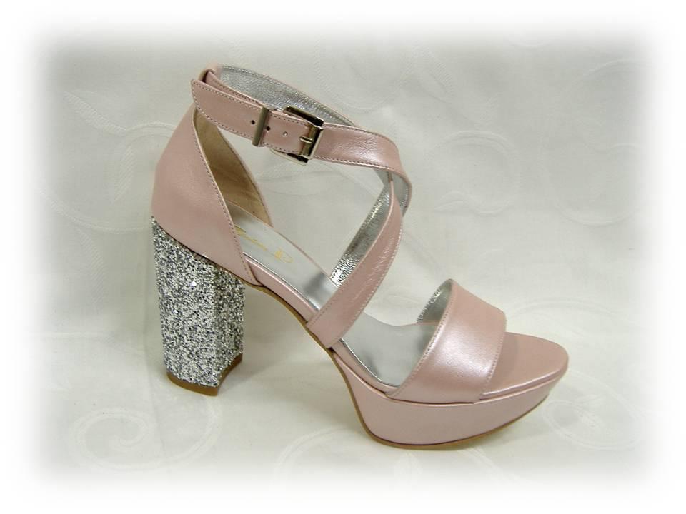 Sapatos de noiva em rosa