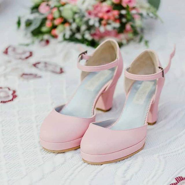 Sapatos de noiva rosa