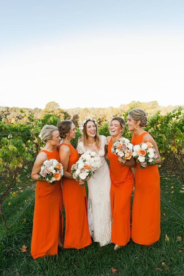 vestidos de damas-de-honor em laranja
