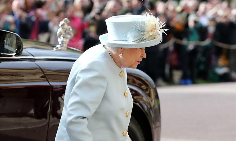 Rainha Elizabeth a chegar ao casamento da princesa Eugenie