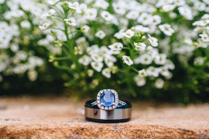 Anel de noivado em azul