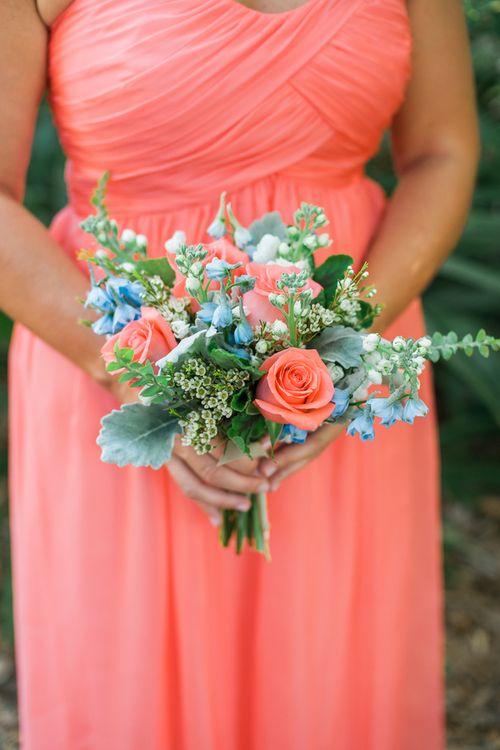 Bouquet em Coral e Azul
